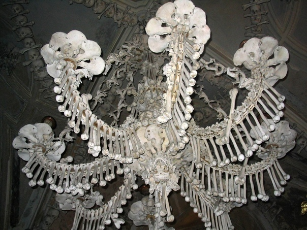 Музей-костехранилище. Город Седлец, Чехия.