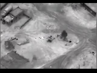 Обратите внимание, с какой филигранной точностью американская авиация уничтожает баранов из ЧВК Вагнера!