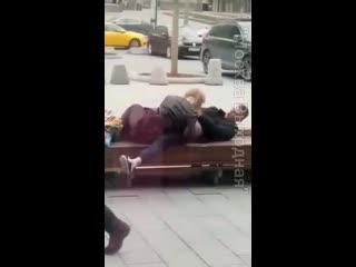сексом 40 летняя одинокая матюрка напоила молодого пацана и разводит его на секс Секс с проводницей Свидание и секс молодых