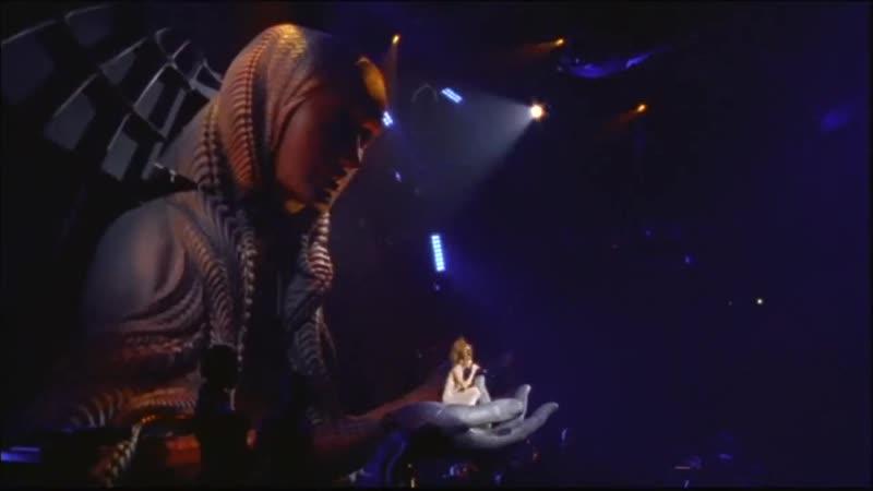 Mylène Farmer_Innamoramento Générique de fin (Live Mylènium Tour 1999-2000)
