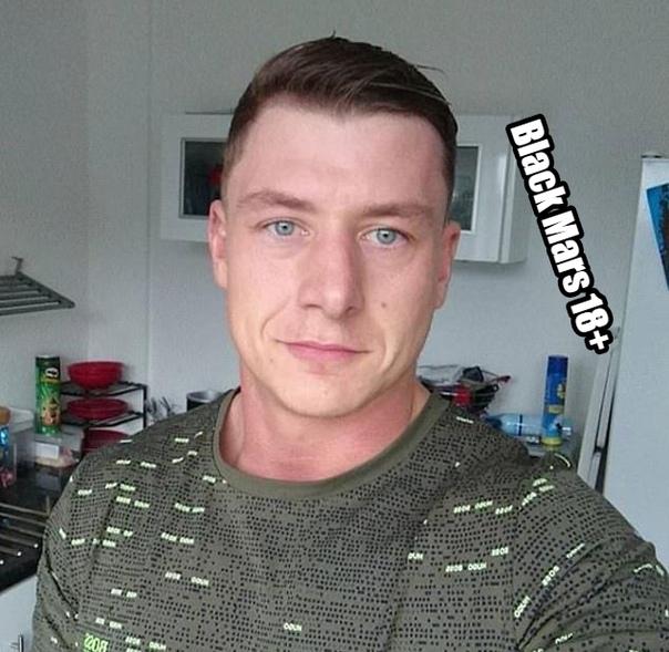 Бывший военный стал звездой гей-порно, но уверяет, что он на 100% гетеросексуален - просто за съемки ему неплохо платят Британского военнослужащего, Даниэля МакГраффина, выпиннули из армии за