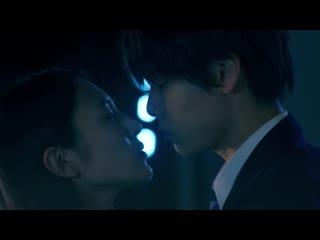 01 В темной коробке (Nibiiro no Hako no Naka) 1080p