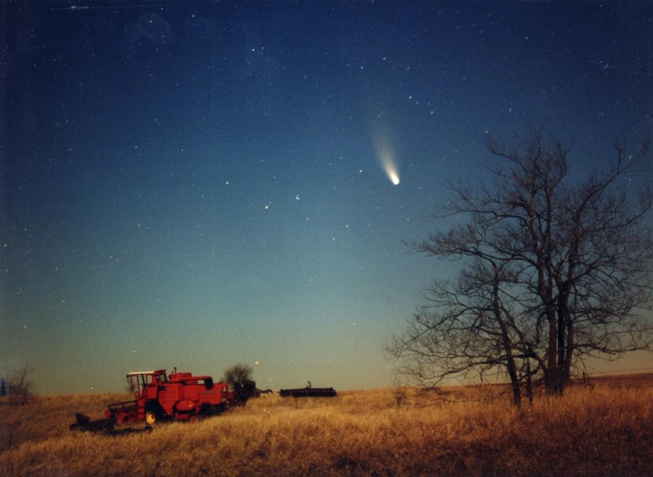 Хейла-Боппа - ярчайшая комета последних десятилетий (1997 год)