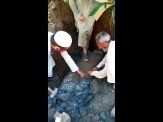 #necro_tv: В Пакистане мусульмане уничтожили древнюю статую Будды