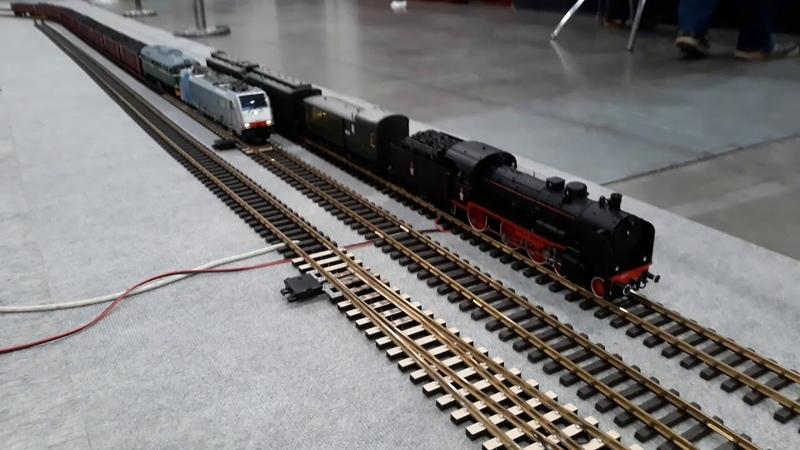 Targi Łódź jazda lokomotyw Gagarina ST44 i Traxxa E186 109 w trakcji wielokrotnej Spur 1 1 32