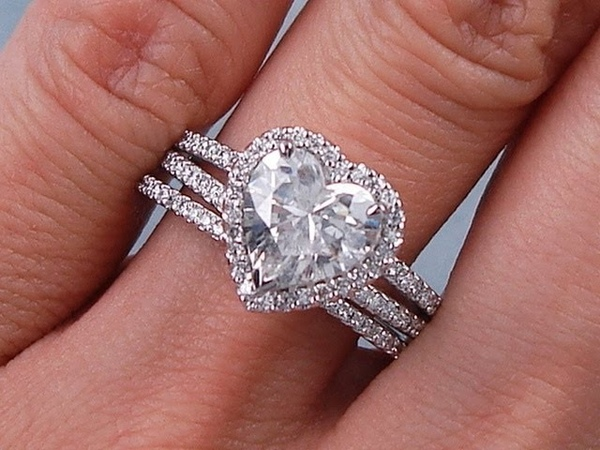 2.13 ctw Heart Shape G SI2 Diamond Engagement Ring and Wedding Band Set - BigDiamondsUSA