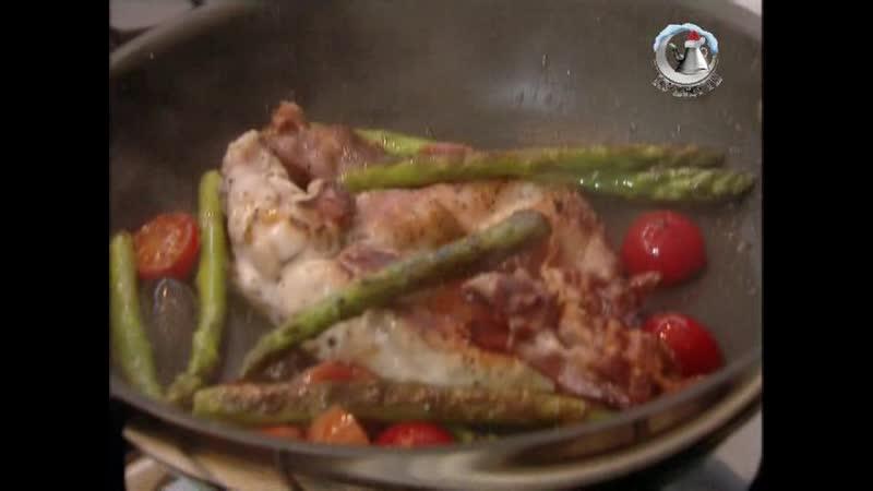 Жить вкусно с Джейми Оливером. 30 серия: Готовим на сковородке - фритата, курица с беконом и спаржей, кус-кус с морепродуктами
