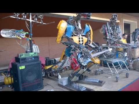 Kolja Kugler e la One love machine band Maker Faire Roma 2014