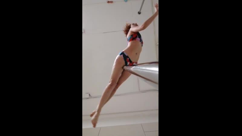 Pole dance в Карамболе