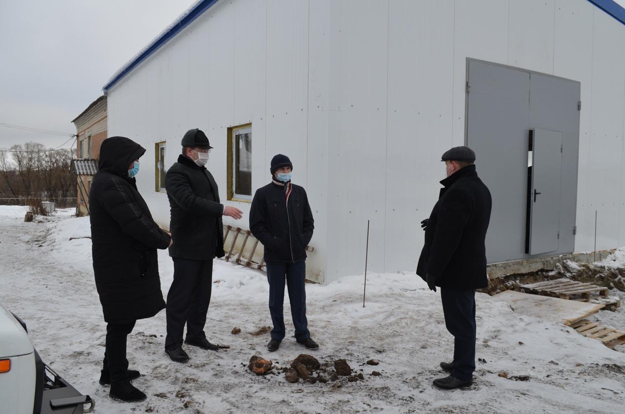 Депутат областной Думы Вадим Рогожин проконтролировал объекты строительства в Петровске