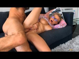 Elizabeth Romanova - Elizabeth Fucks Mom's New Boyfriend () [All Sex, Blowjob, Big Tits, Squirt, 1080p]