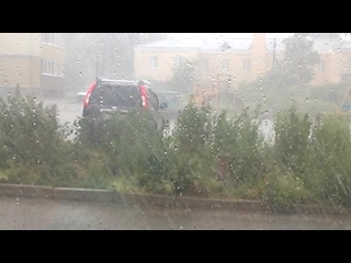 Сильный ливневый дождь в Полевском (  )
