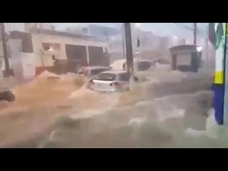 Сильный ливневый паводок в Сан-Паулу, Бразилия, 11 марта 2019.