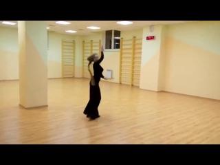 А теперь скажите. Танец на шесте, может сравниться с этими божественными движениями!