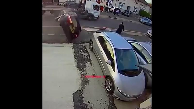 Он наверное и сам не знал что умеет так быстро бегать