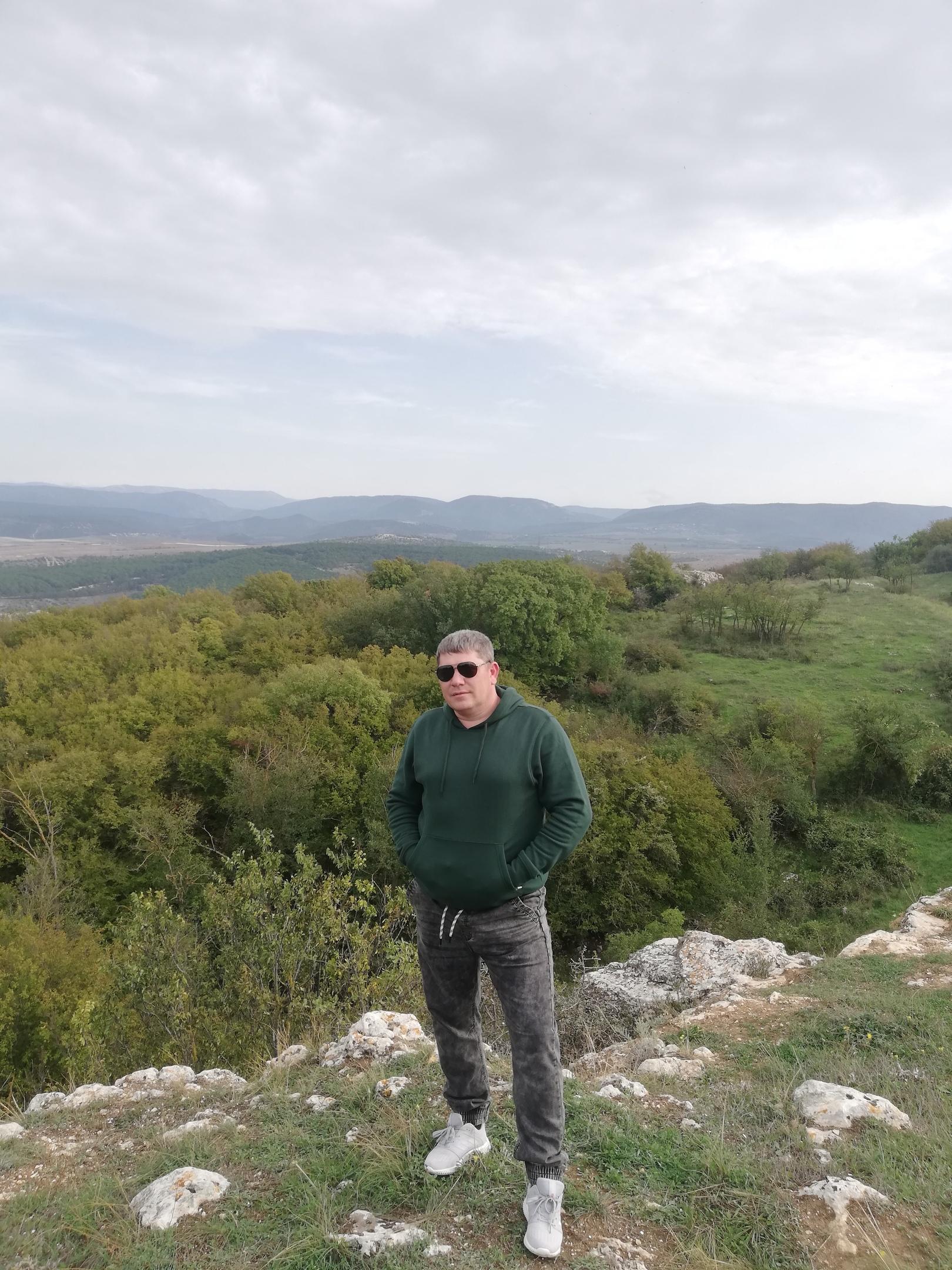 Seroyga, 40, Yalta