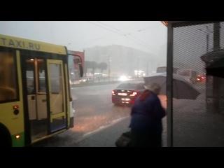 Небольшой дождик в Питере