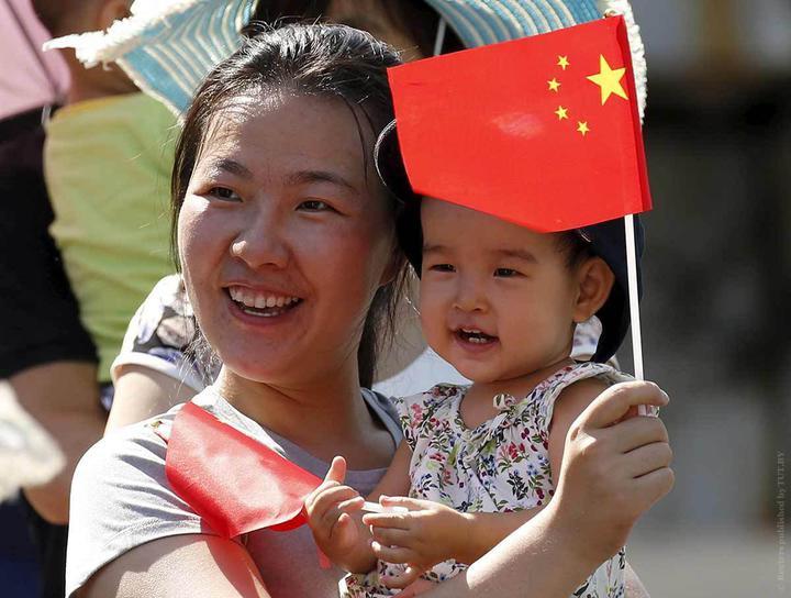 Население Китая уже почти не растет, его вот-вот обгонит Индия