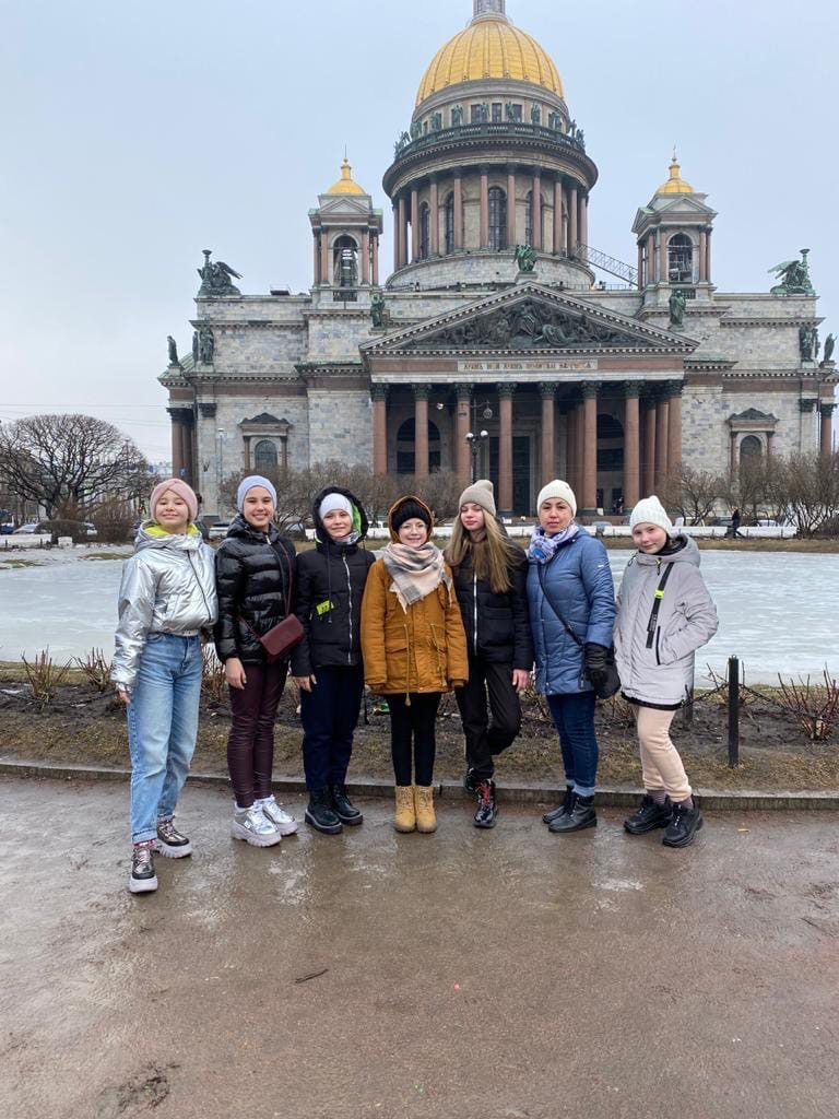 Помог участницам хореографического коллектива Орджоникидзевского района съездить