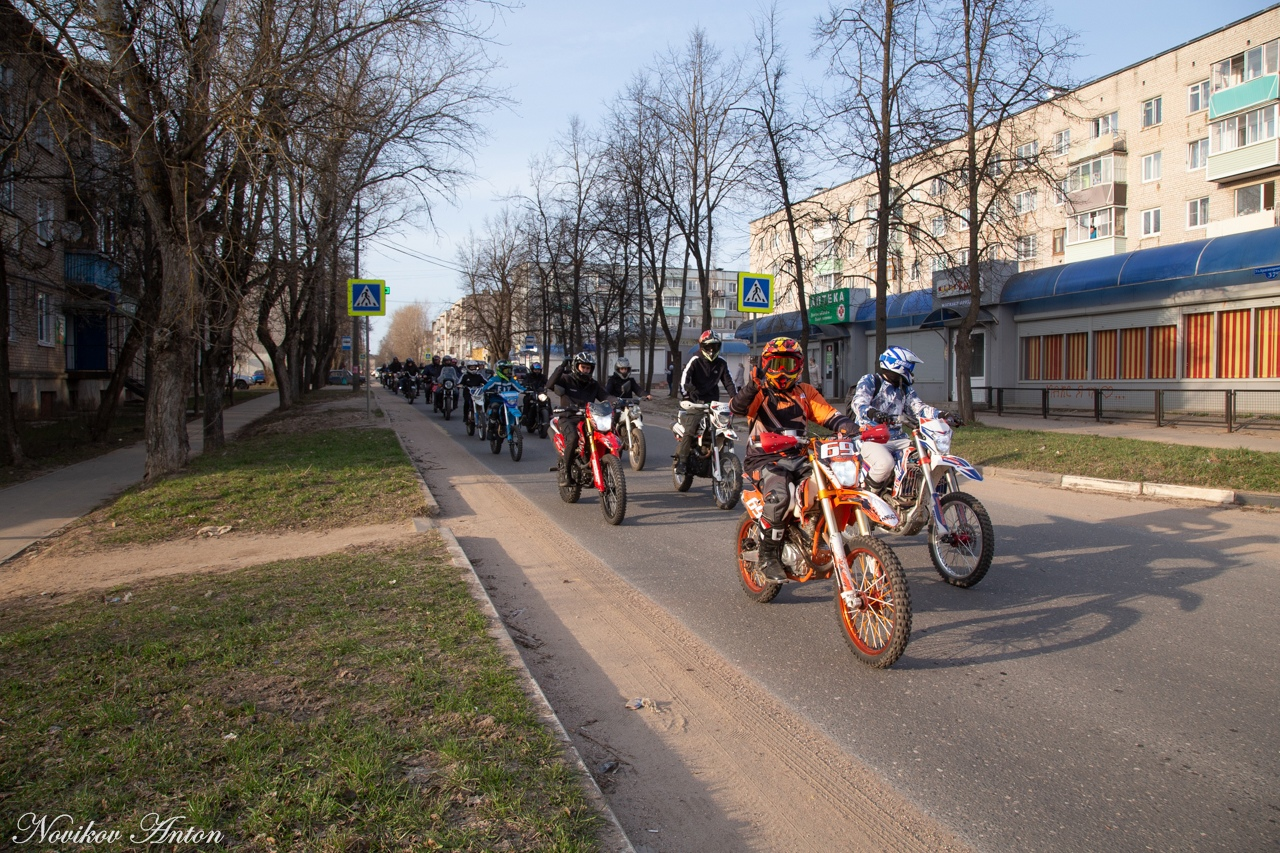 Больше сотни мотоциклистов открыли мотосезон 2021 года в Торжке