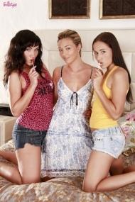 Соня, Лили и Наталья