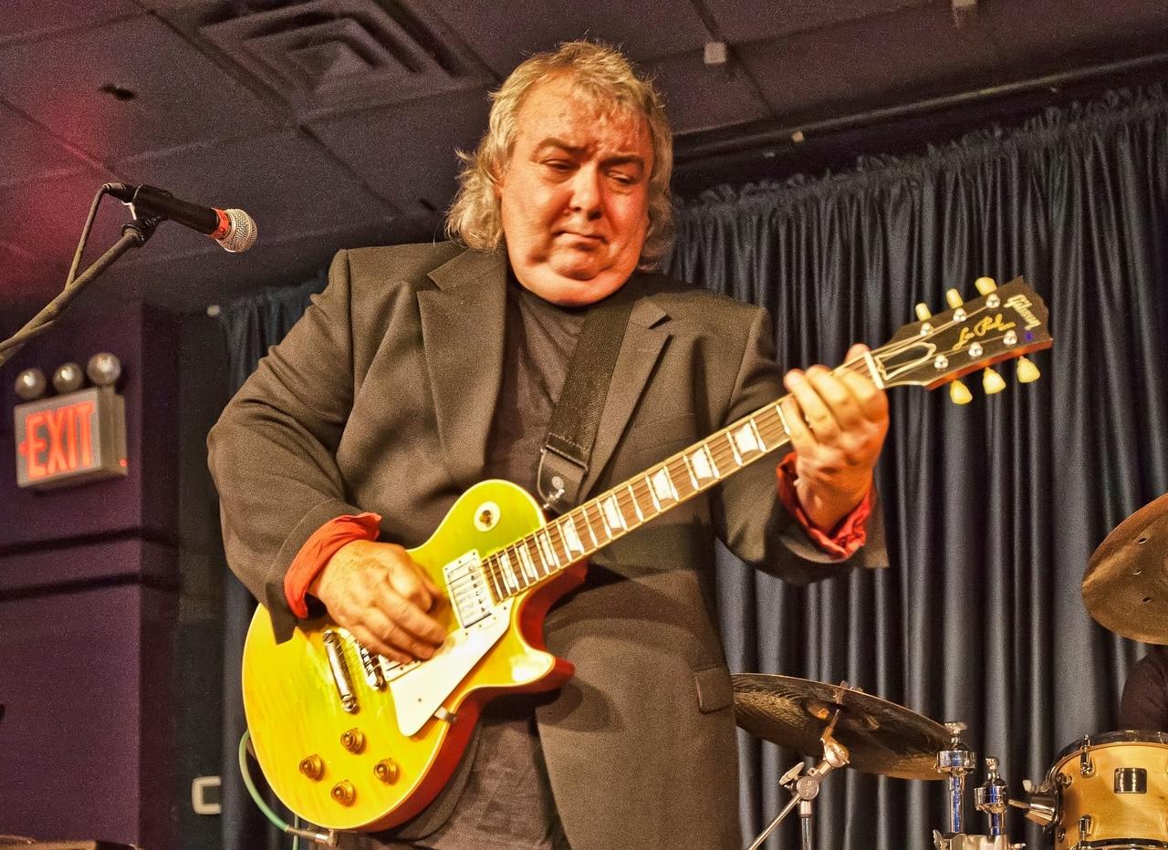Британский гитарист Берни Марсден (Bernie Marsden), который ранее был участником...