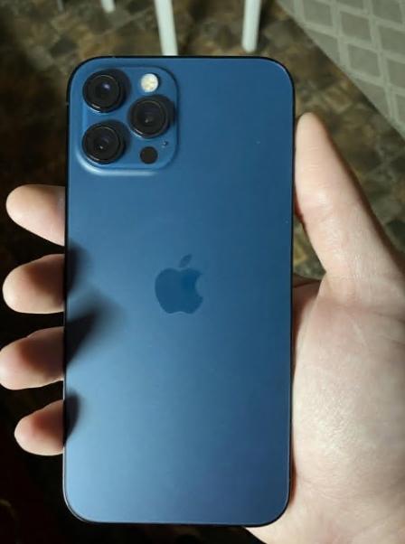 ПродаюiPhone 12 Pro Max восстановленныйКомплект по...