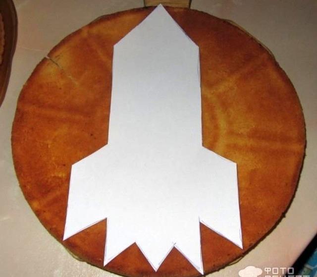 """Как сделать торт """"Ракета"""" с творожным кремом (из готовых коржей) - рецепт с фото"""