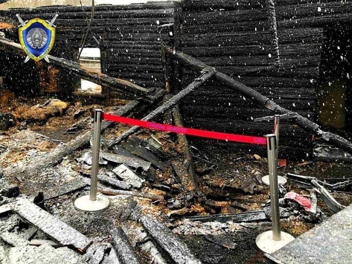 В деревне Сухорукие под Минском сгорел дом. Погибли трое мужчин 34, 45 и 66 лет