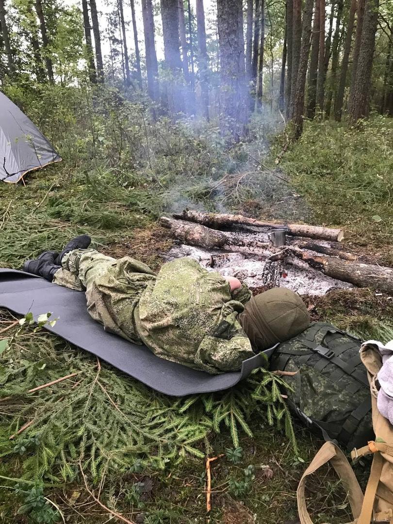 Отдых в лагере в перерывах между боями