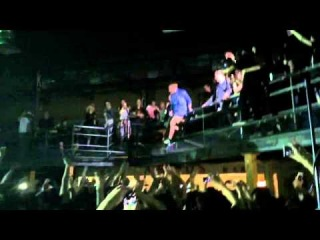 Enter Shikari -  Sorry, You're Not A Winner(прыжок со второго этажа випки в толпу)