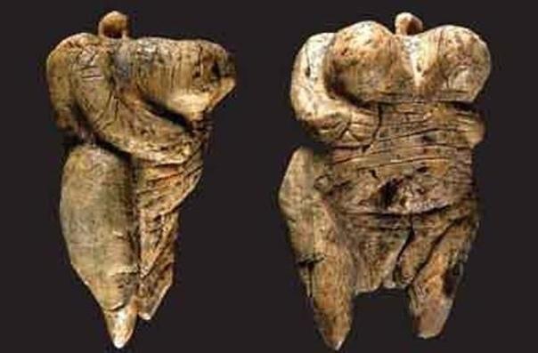 Самое древнее изображение человека Венера из Холе-Фельс является древнейшей статуэткой в мире, изображающей человека. Венере 40 тысяч лет, её рост около 6 см, и она вырезана из бивня мамонта. У