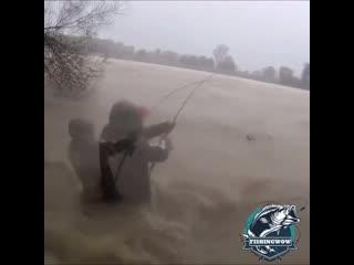 Готов рыбачить в любую погоду!