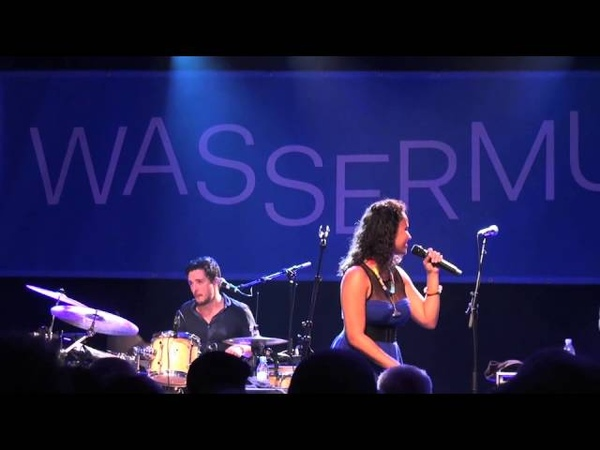Mayra Andrade Comme s'il en pleuvait Live in Berlin 13 17