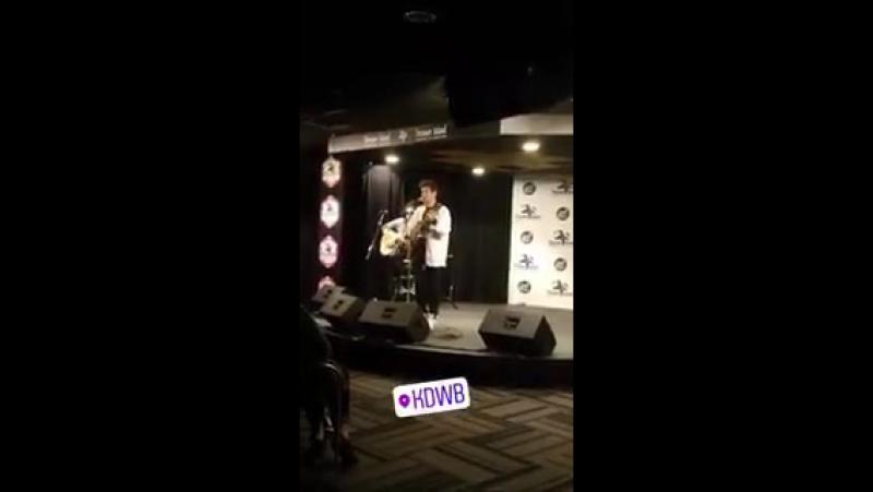 Jorge en Instagram Story de Jenny Lynn en 101.3 KDWB Skyroom