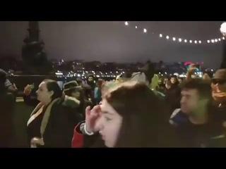 Manifestation contre le confinement dans les rues de Londres lors de la soirée du nouvel an