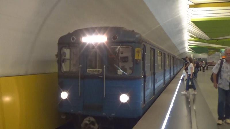 Планерненский 81-710 ЕЖ-3 №66 на станции метро Лермонтовский Проспект